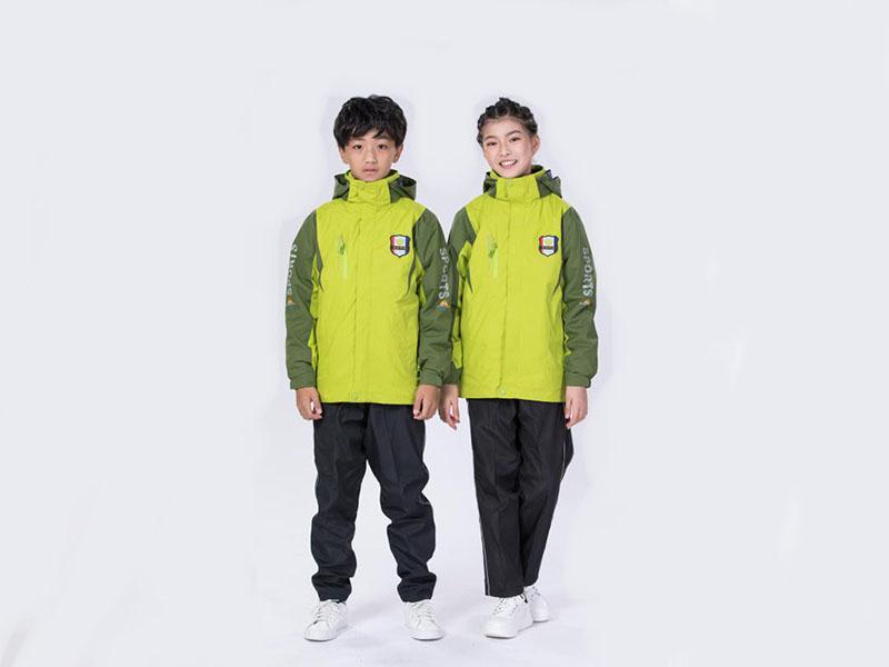 深圳校服冲锋衣厂-供应泉州市热卖校服冲锋衣