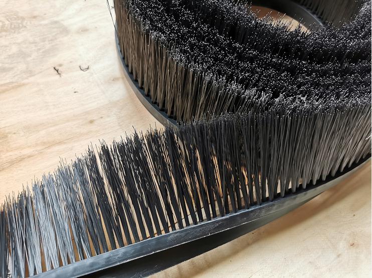 挂车毛刷价格-实惠的防飞溅毛刷,远建毛刷倾力推荐