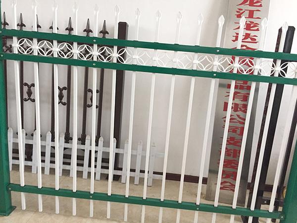 黑龙江路灯杆-好的哈尔滨锌钢护栏哪里有卖