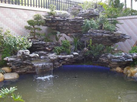 假山瀑布噴泉