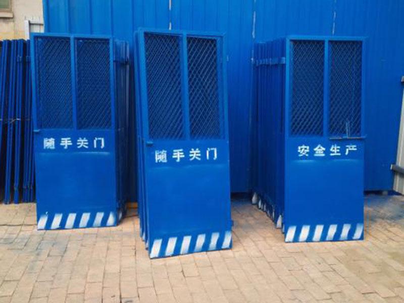 海南工地電梯門