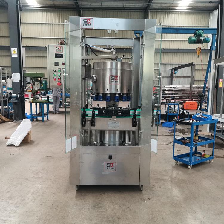 广西酒水灌装设备供应-量杯定量灌装机-山齐灌装机械