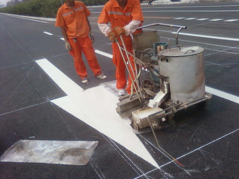 宁夏交通器材厂家_兰州质量好的道路信号灯厂家推荐
