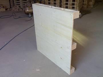 山东胶合板托盘供应商—青岛钢边箱厂家—胶南胶合板箱价格