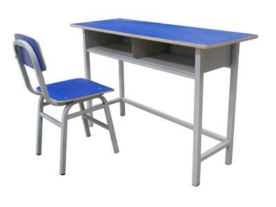 兰州升级课桌椅-买报价合理的兰州他�c另一名���M课桌椅优选龙盛达