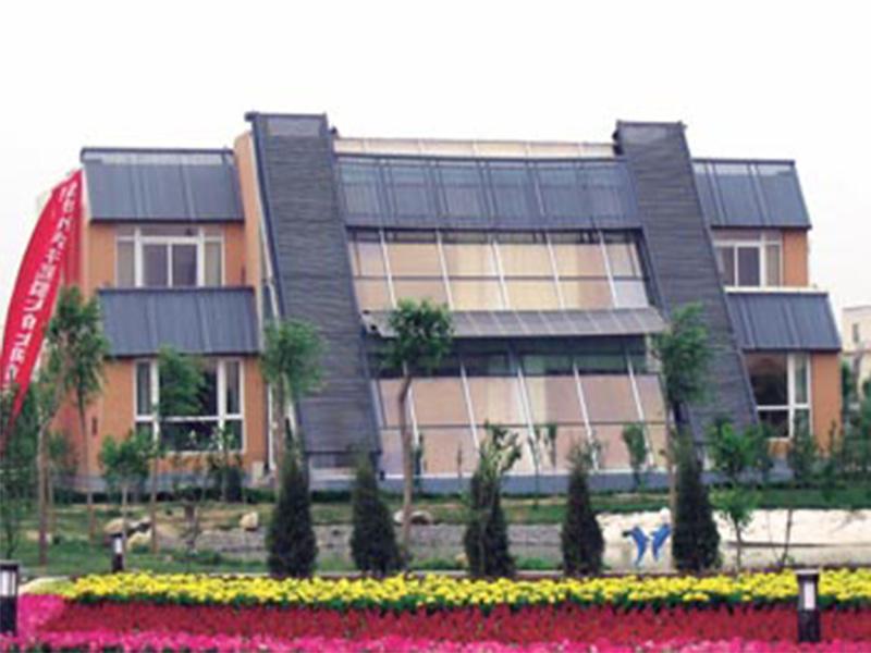出口华园太阳能建筑一体化 质量好评的华园太阳能建筑一体是由青海万通新能源提供