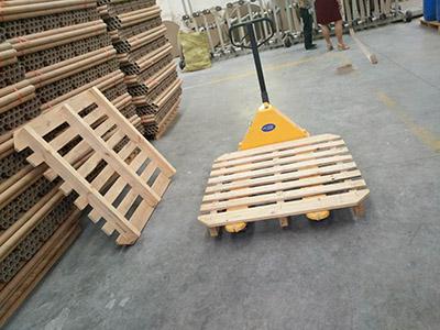 平涼木制托盤批發-合格的甘肅紙管廠傾情推薦