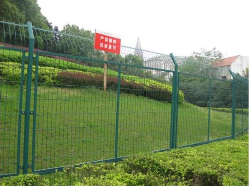 广东护栏网-哪里有供应质量好的护栏网