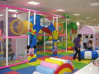 室内儿童娱乐设施