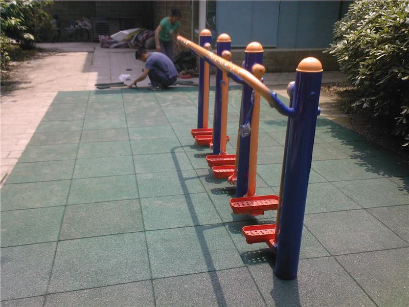 凉山批发安全地垫-耐用的操场室外安全橡胶地垫推荐