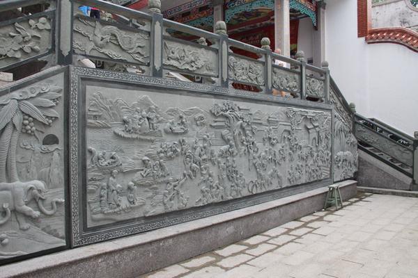 广元石栏杆定做 广元石雕栏杆应该怎样挑选