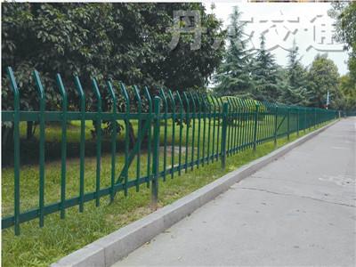 供应常州优质的绿化护栏 绿化带草坪护栏图片