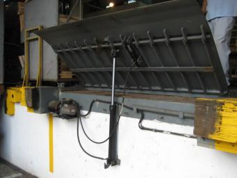 固定式液壓登車橋廠商出售|買固定式液壓登車橋就來容大機械