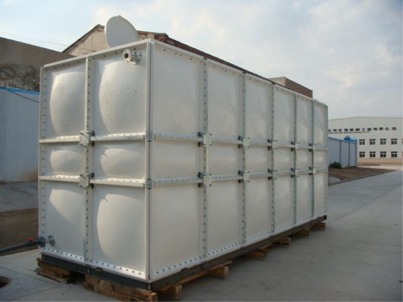 玻璃钢水箱厂_好用的玻璃钢水箱哪里有卖