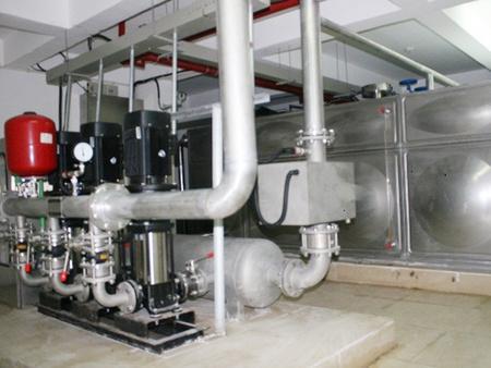 【巨漂亮】山东崂山大型方形水箱供应厂家+不锈钢水塔定做安装