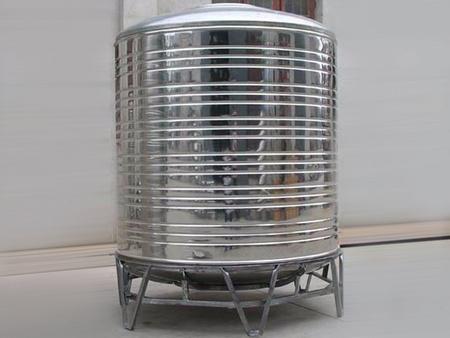 【狂贊不止】不銹鋼儲水罐生產廠家——不銹鋼儲水罐哪里有