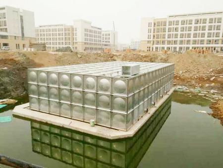 【给你温暖,给你产量!-三栋水箱】山东日照地理不锈钢水箱长家