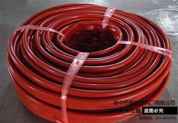 透气性小、耐辐射性强的硅胶管