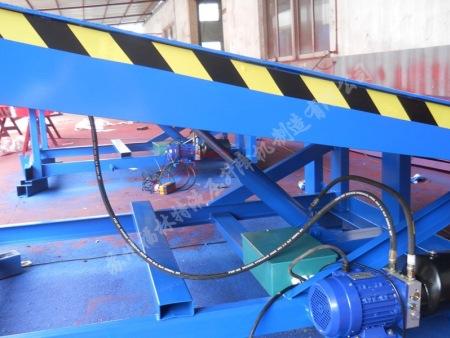 苏州专业的登车桥批售-移动式液压登车桥厂家