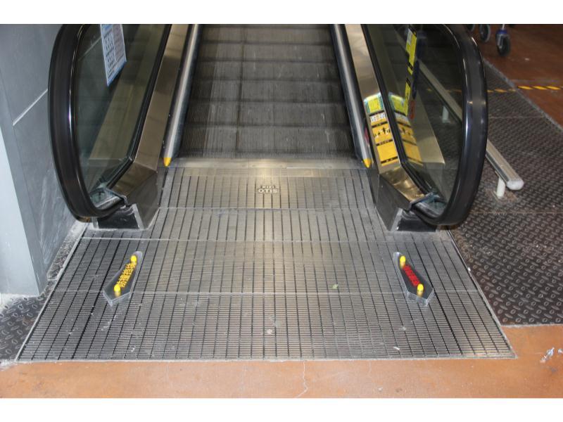 性价比高的扶梯防攀爬装置当选昀立防护设备|扶梯防攀爬装置提供