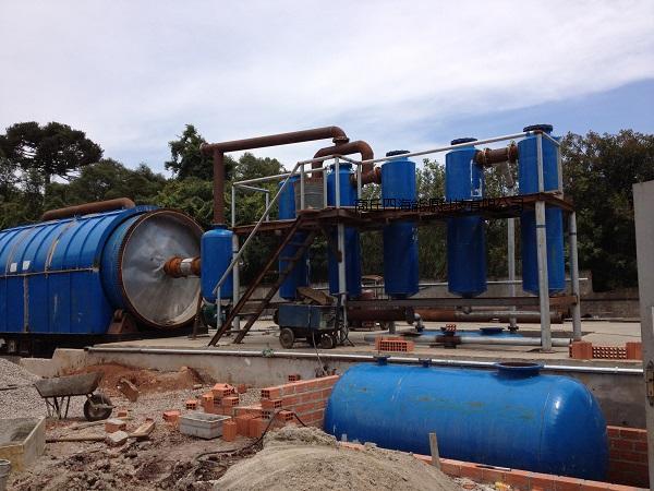 废轮胎废油泥多功能环保炼油设备、轮胎炼油