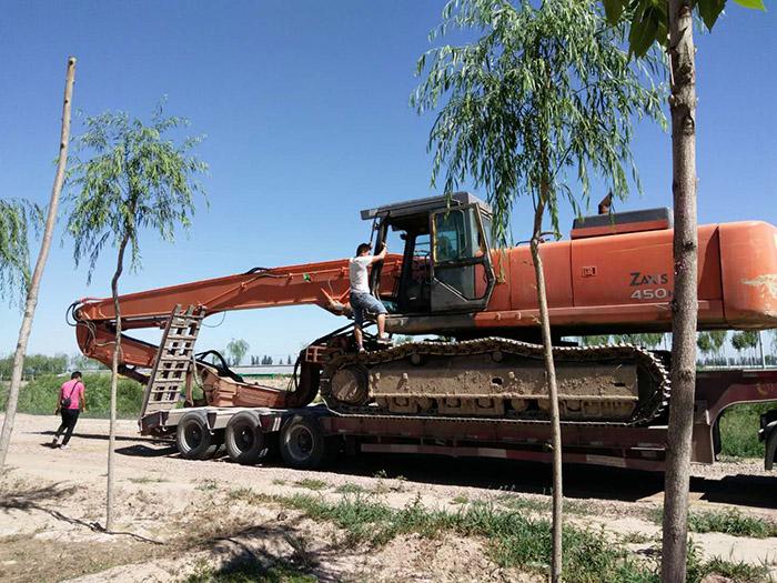 【寧夏光伏打樁機】銀川鋼板樁施工|光伏打樁機選擇寧夏榮盛達
