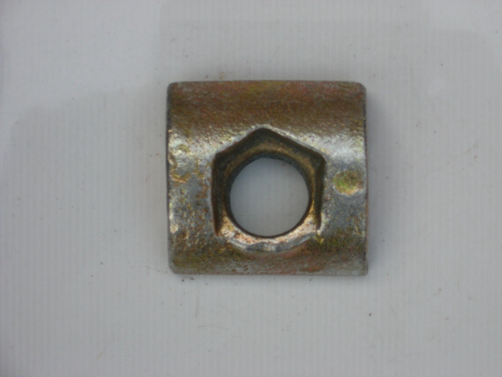 山东电梯导轨压导板厂家-扬州电梯滑动压板