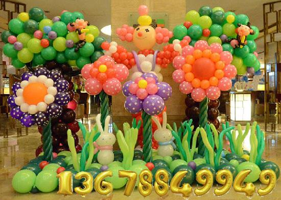 鮮花和氣球的結合很漂亮,應該怎麽布置呢