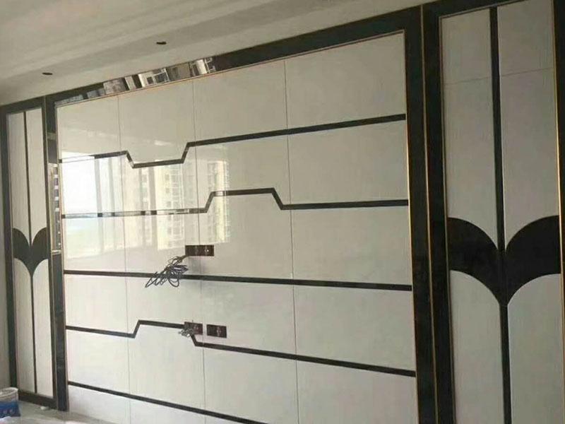 为您推荐季艺玻璃品质好的电视玻璃墙-芗城电视玻璃墙定做