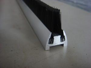 行业优选机械毛刷_具有口碑的扶梯条刷供应商_博艺隆刷业