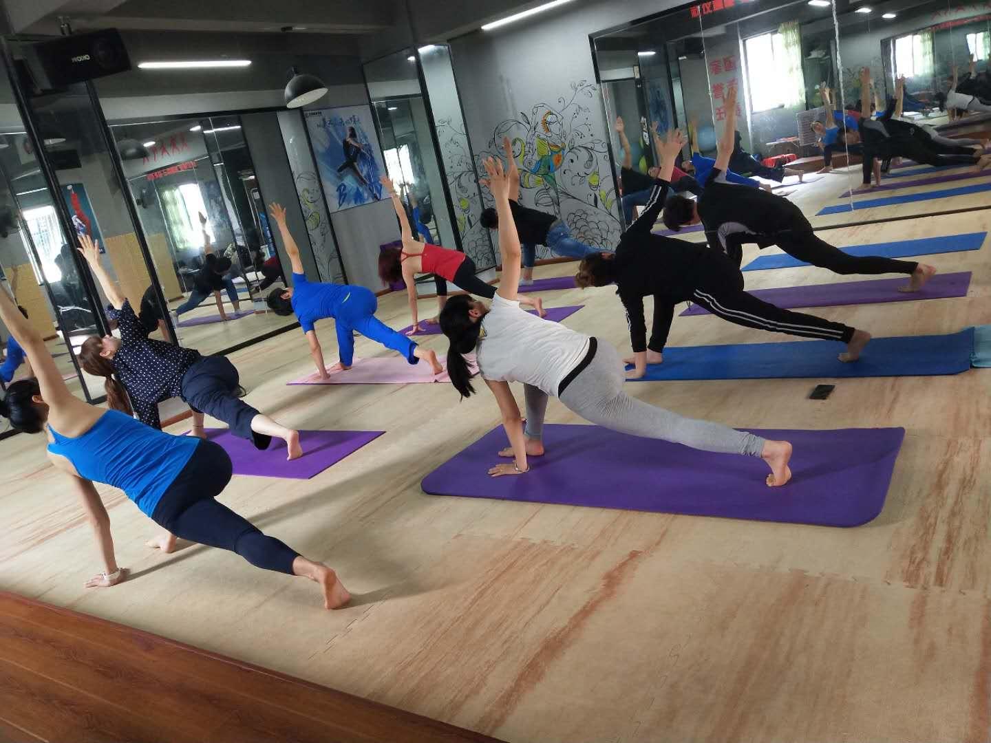 中国私人健身教练培训,私教培训哪家好