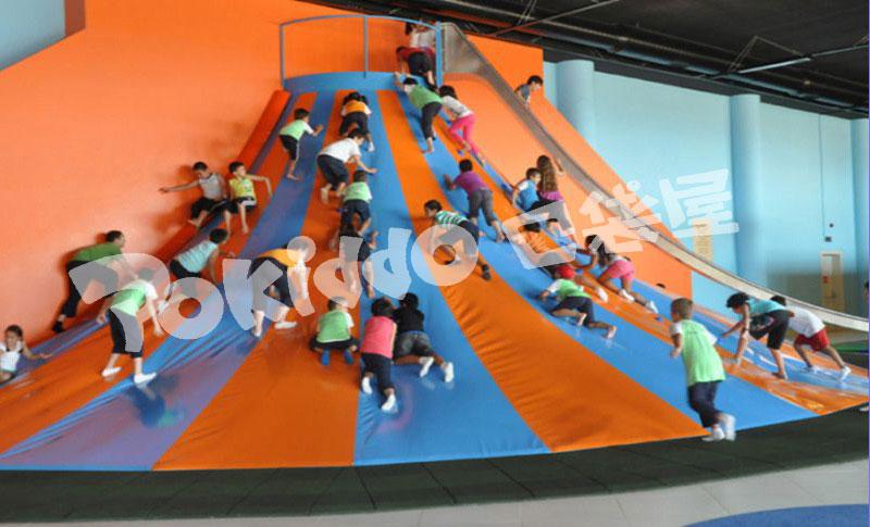 蹦床公园加盟,儿童蹦床乐园加盟,室内蹦床公园加盟