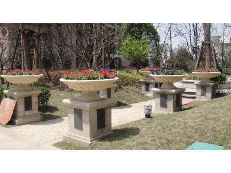 哪里有供应好品质花盆|石雕花盆供应