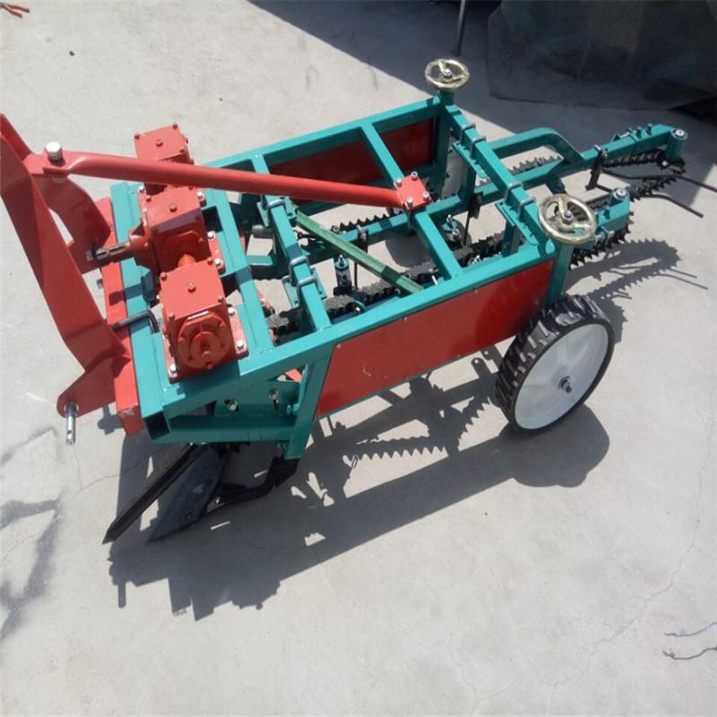 新型农用花生收获机 山东专业的花生收获机供应商是哪家