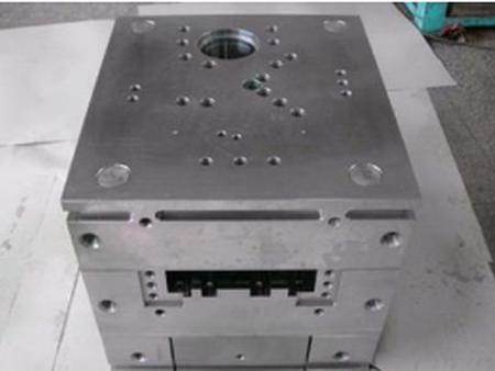 苏州人人鼎模架专业供应非标准塑胶模架-非标准塑胶模架用途