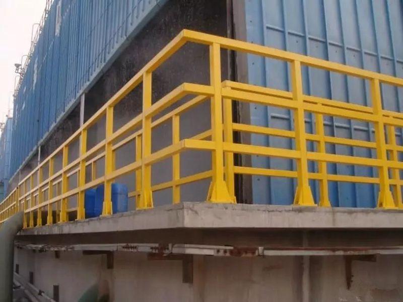 安全的玻璃钢护栏——高性价玻璃钢护栏供销