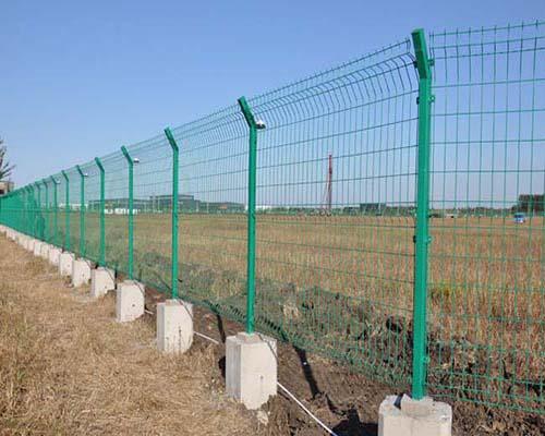 双边护栏网价格|买性价比高的护栏网当然是到世晨金属了