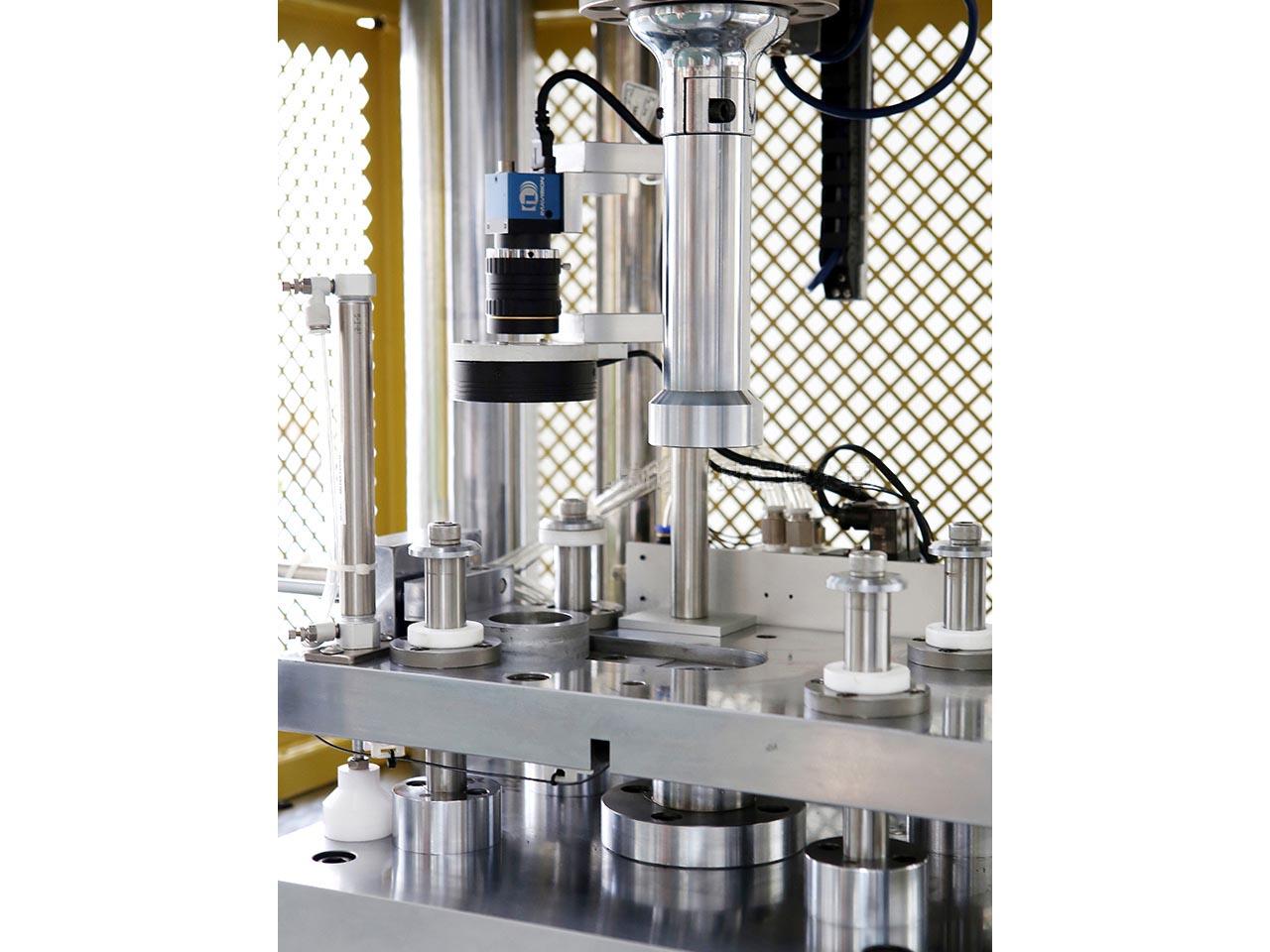 专业的四柱压装机厂家推荐-四柱压装机报价