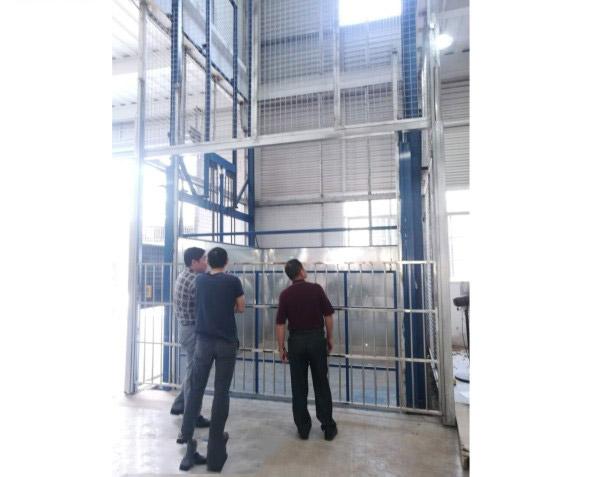 汕头导轨式升降货梯-为您推荐超值的导轨式升降货梯