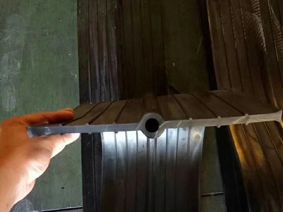 中埋式橡胶止水带300|8哪里找_维逸橡胶制品——信誉好的中埋式橡胶止水带300|8供应商
