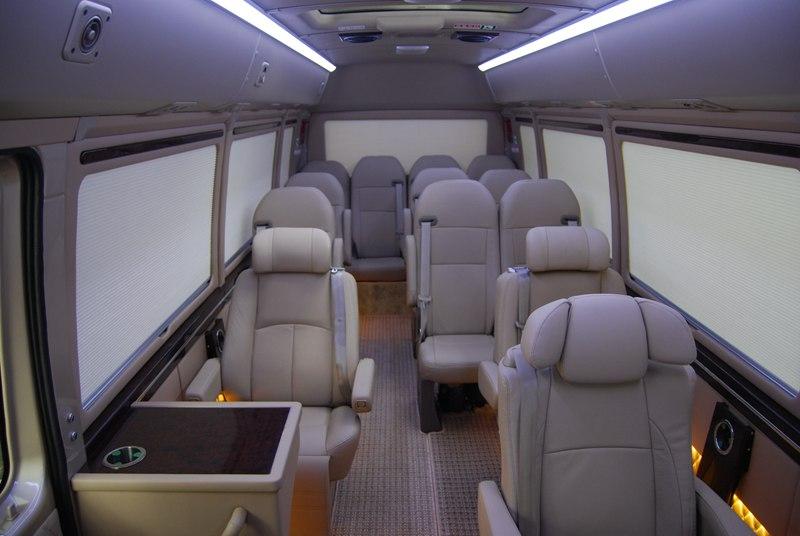貴州考斯特房車改裝-成都暢享行汽車-服務好的柯斯達經銷商