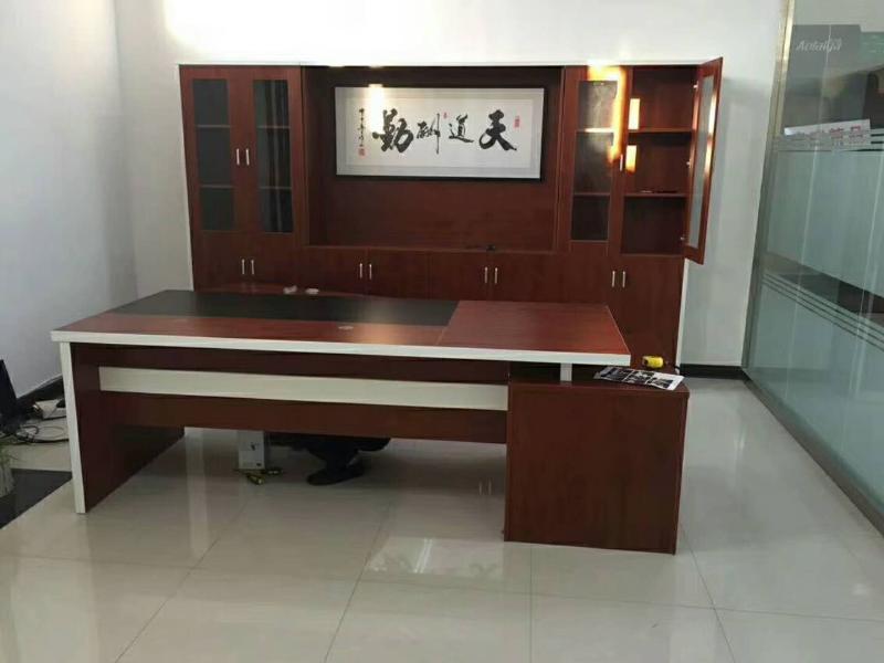 优良的总裁老板桌就在鸿鑫办公家具-浙江总裁老板桌厂家
