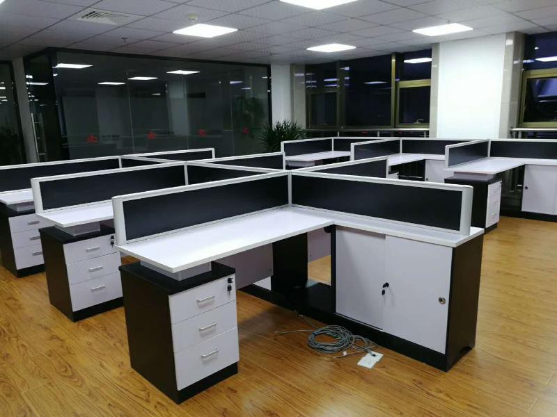 职员办公桌上哪买比较好-三明职员办公桌厂家