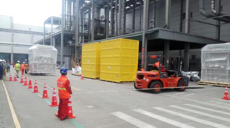 知名的吊车运输设备供应商_苏州东亿起重吊装|吊装运输厂家