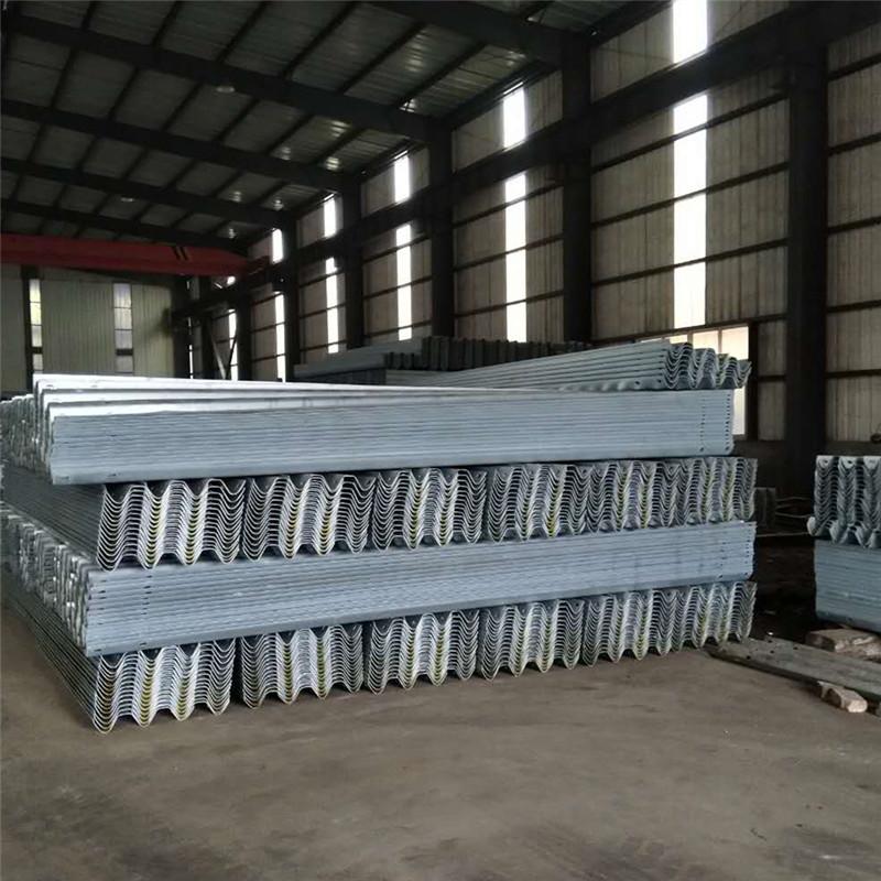 高速公路护栏板-大川交通设施_专业的制造商|高速公路护栏板