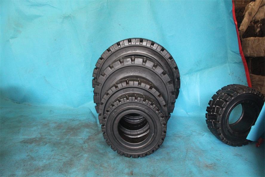 清远市朗琴实心轮胎耐刺300-15橡胶实心轮胎价格