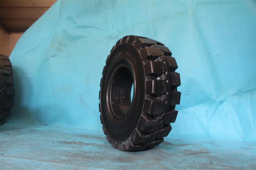 中山?#20852;?#38065;真空钢丝轮胎加强轮胎6.50R10橡胶实心轮胎价格