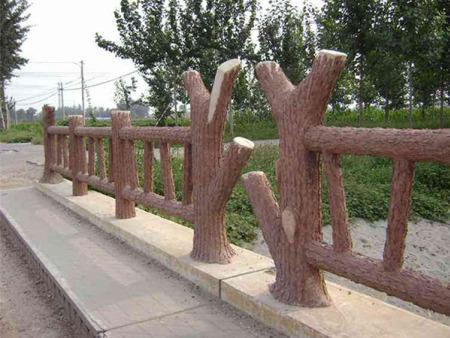 水泥仿树皮护栏供应公司-大量供应优惠的水泥仿树皮护栏