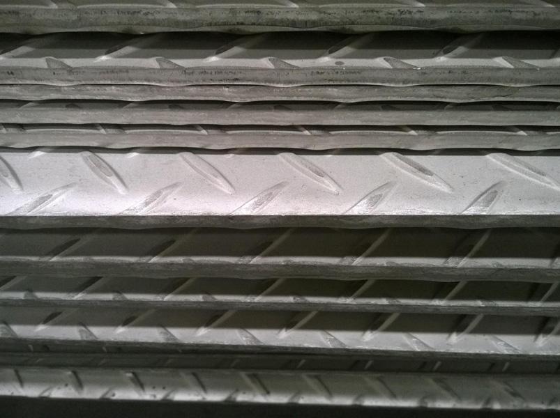 熱軋花紋板-安徽高品質花紋板供應商當屬合肥京揚物資