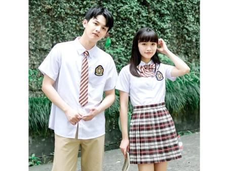云南中學生夏季校服價格-泉州價格公道的小學生夏季校服批發出售